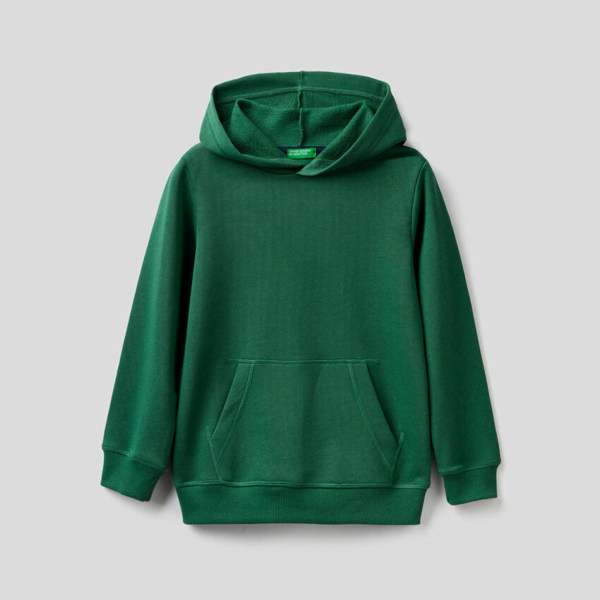 Sudadera verde oscuro con capucha