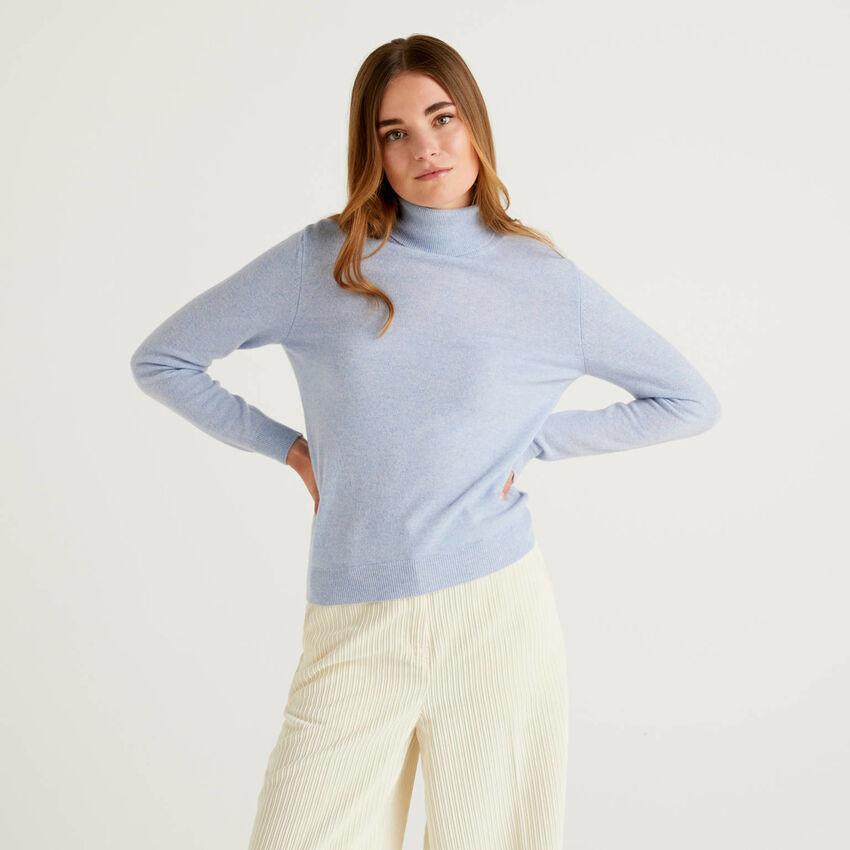 Jersey de cuello cisne celeste de pura lana virgen