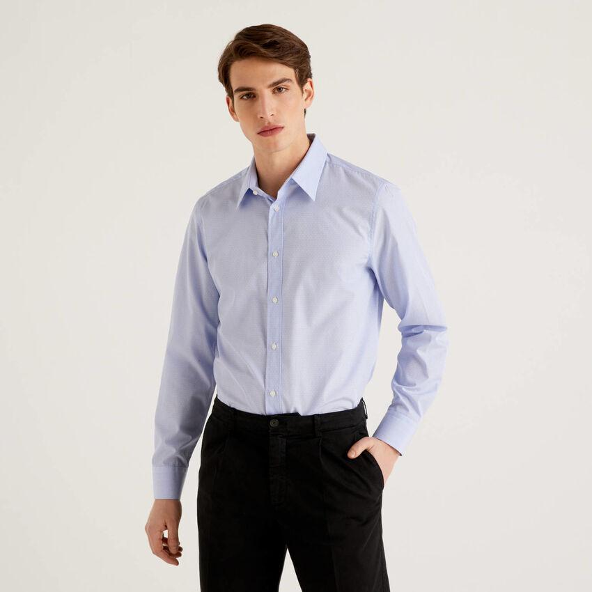 Camisa slim fit de 100% algodón