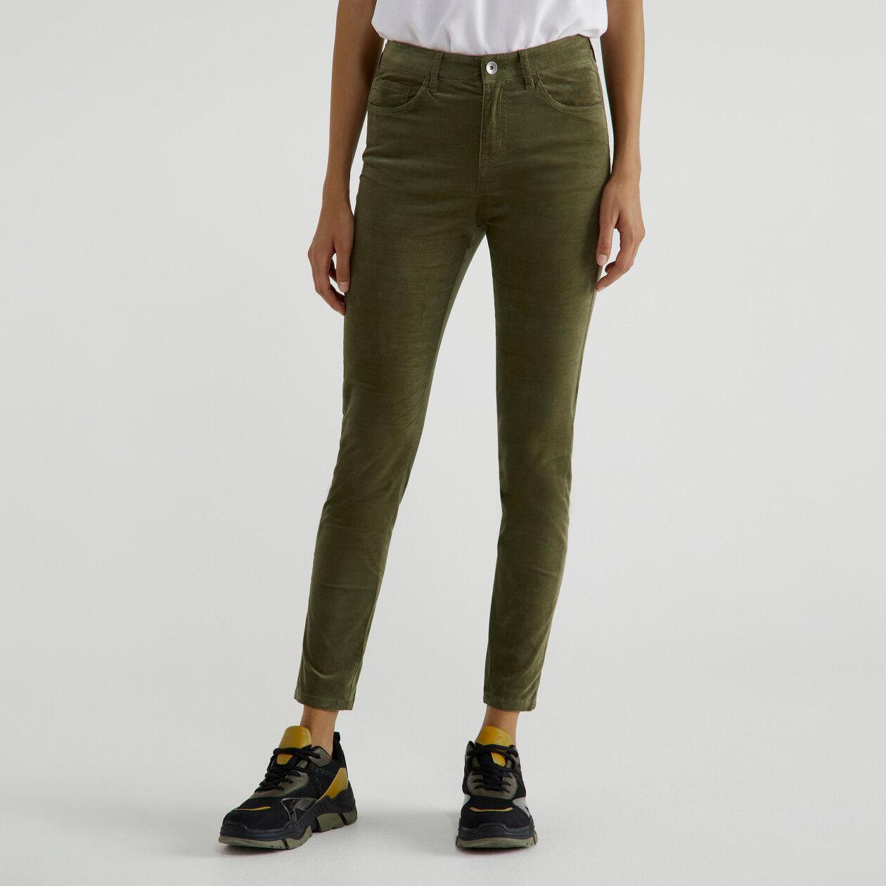 Pantalón de pana de cinco bolsillos