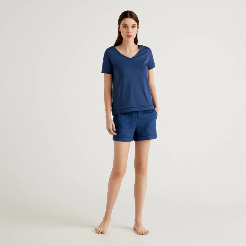 Pijama con camiseta y pantalón corto