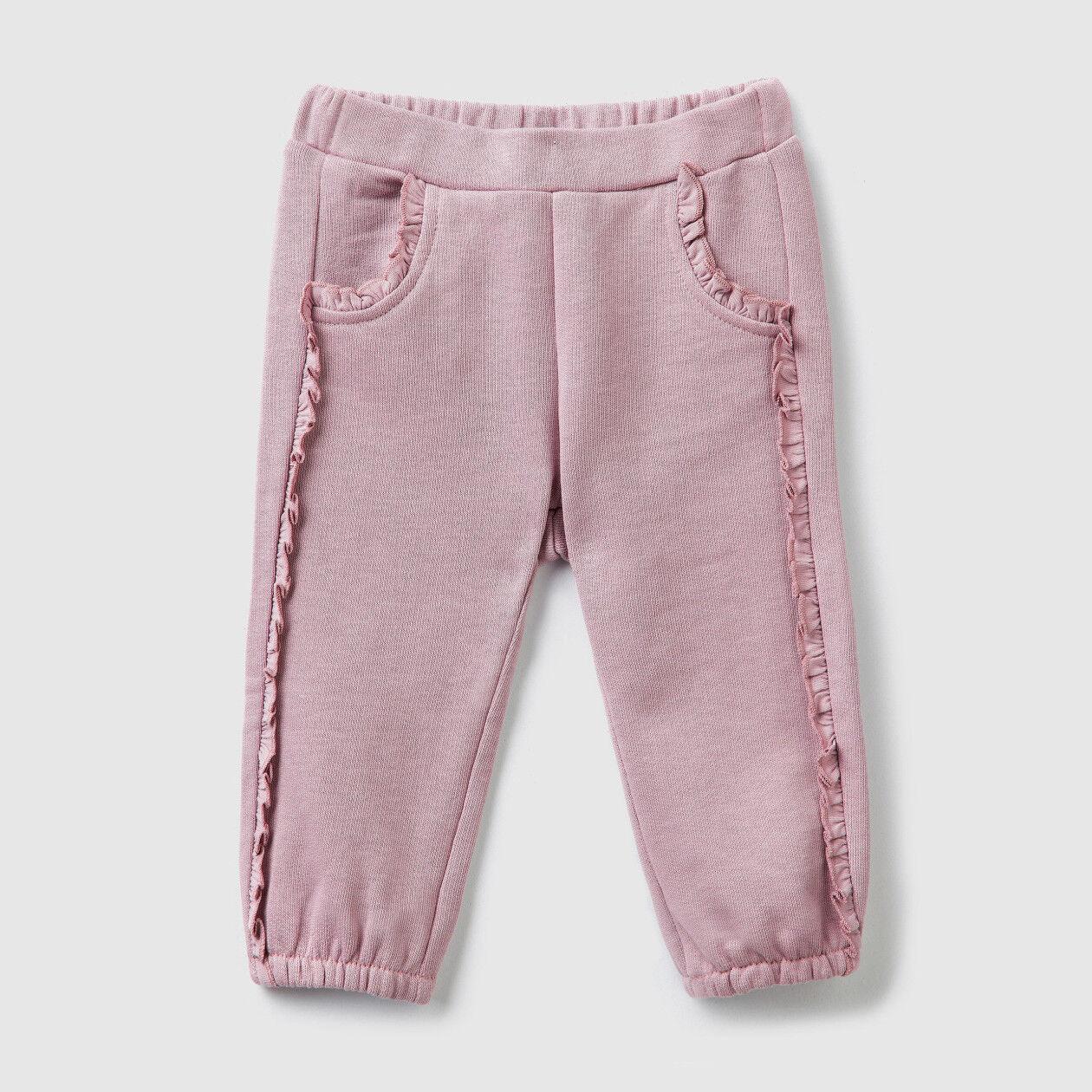 Pantalón de felpa con volantes