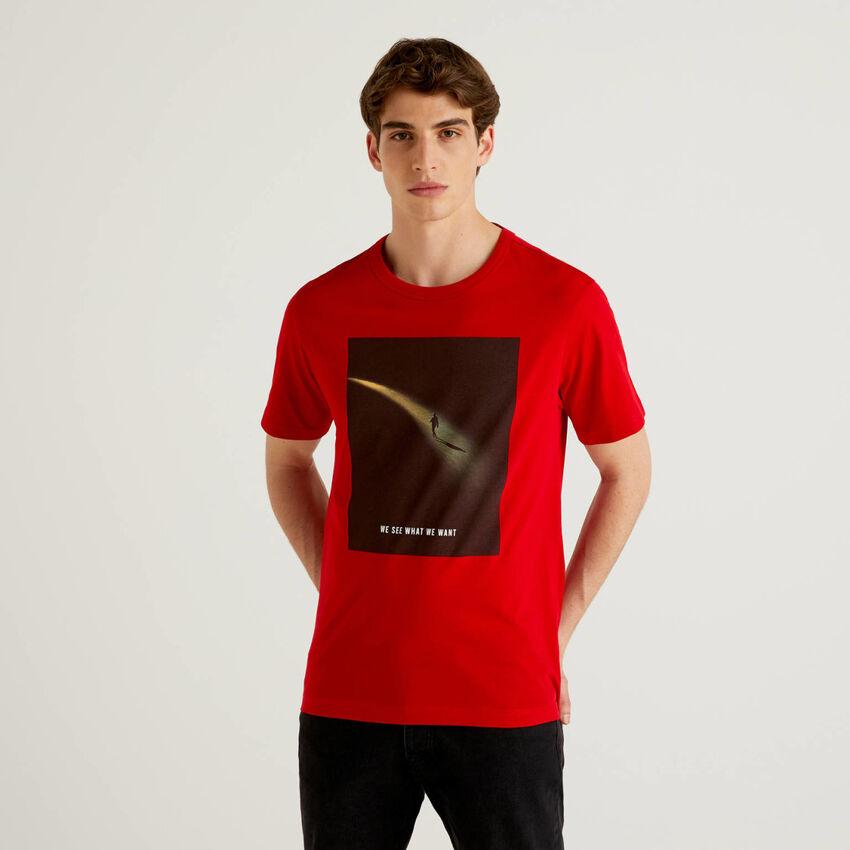 Camiseta con estampado fotográfico