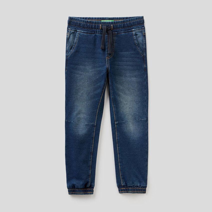 Pantalón de felpa elástica de efecto denim