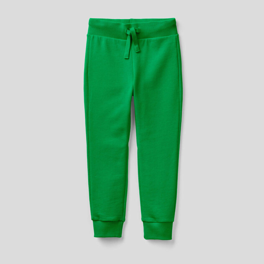 Pantalón deportivo verde de felpa