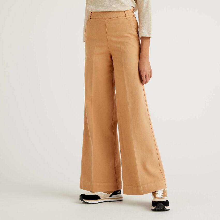 Pantalón de algodón con pernera amplia