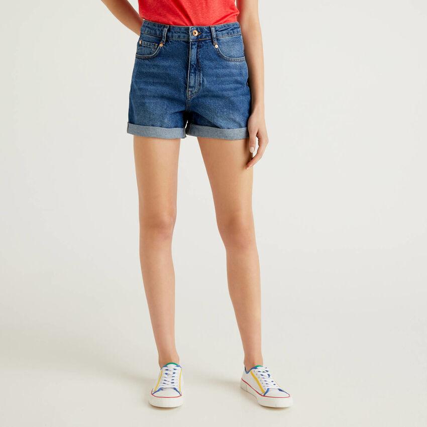 Pantalón corto vaquero de 100% algodón