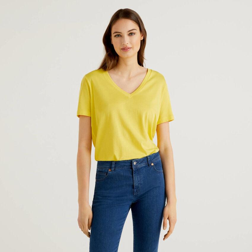 Camiseta con parte trasera de viscosa