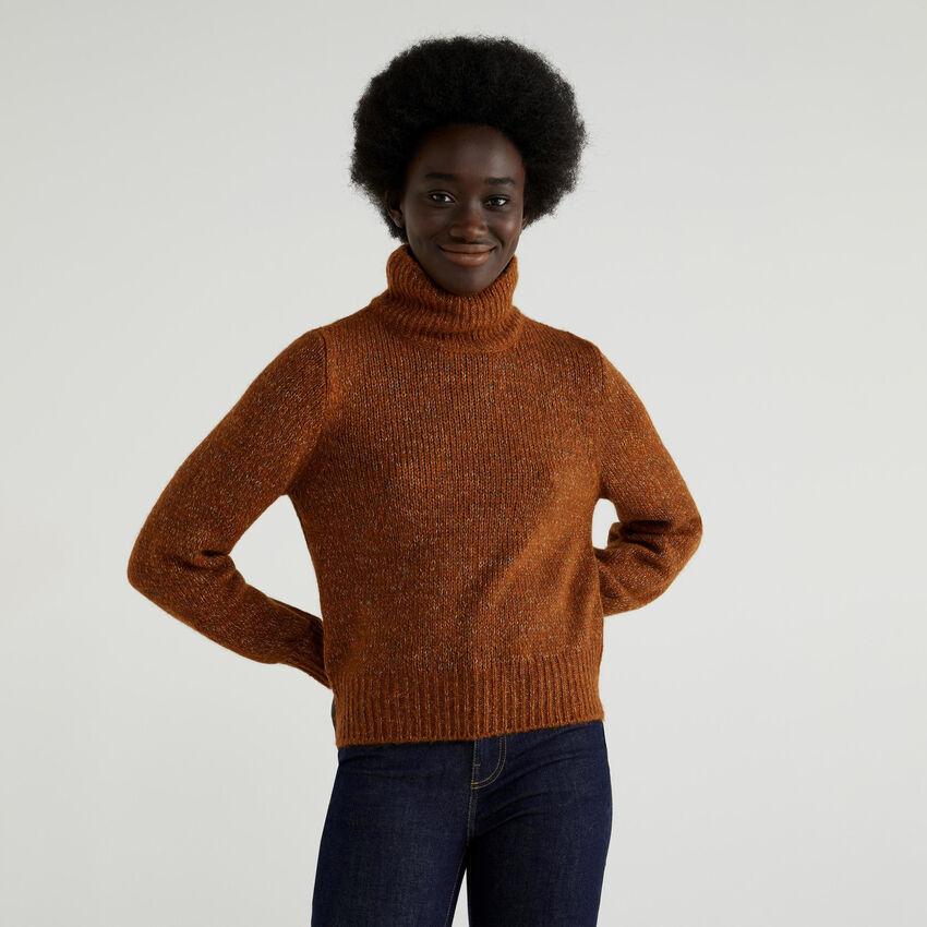 Jersey de cuello alto con mangas abullonadas