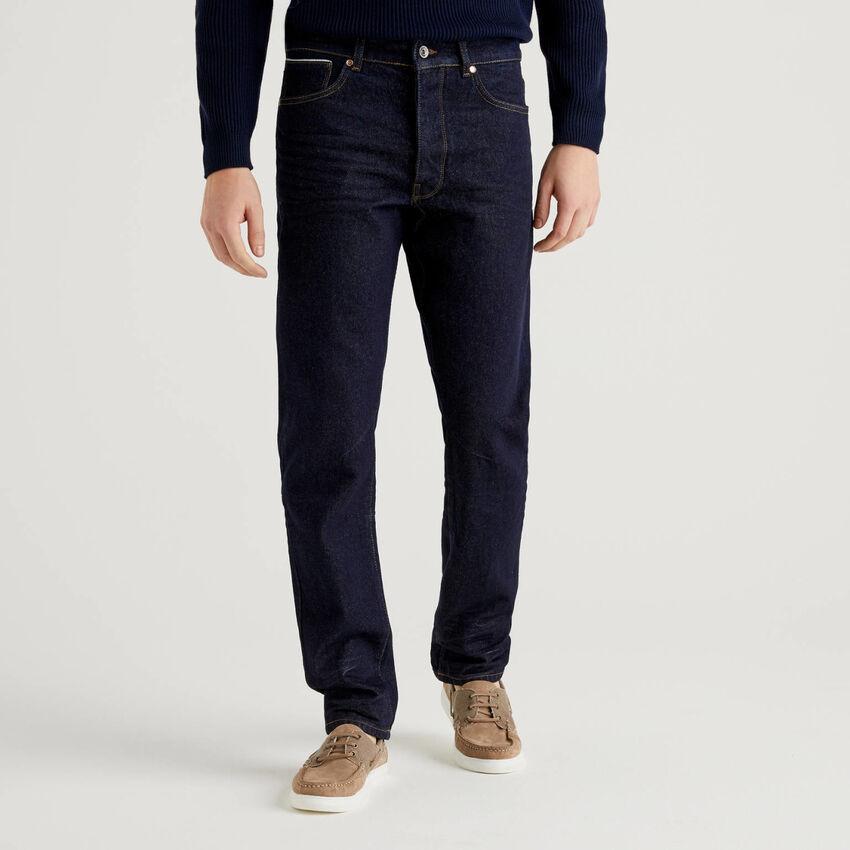Vaqueros con cinco bolsillos en denim de 100 % algodón.