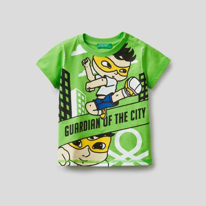 Camiseta de 100% algodón con estampado de superhéroe