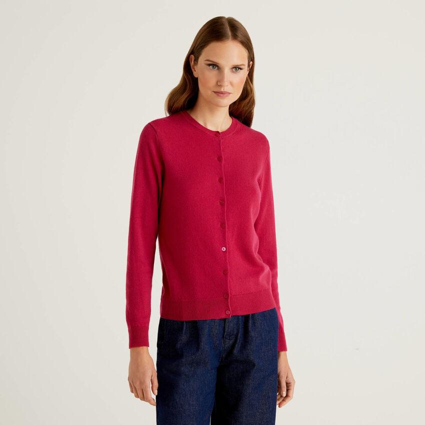 Cárdigan de cuello redondo color ciclamen de pura lana virgen