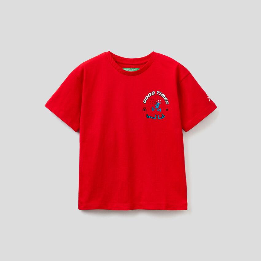 Camiseta unisex roja by Ghali con estampados