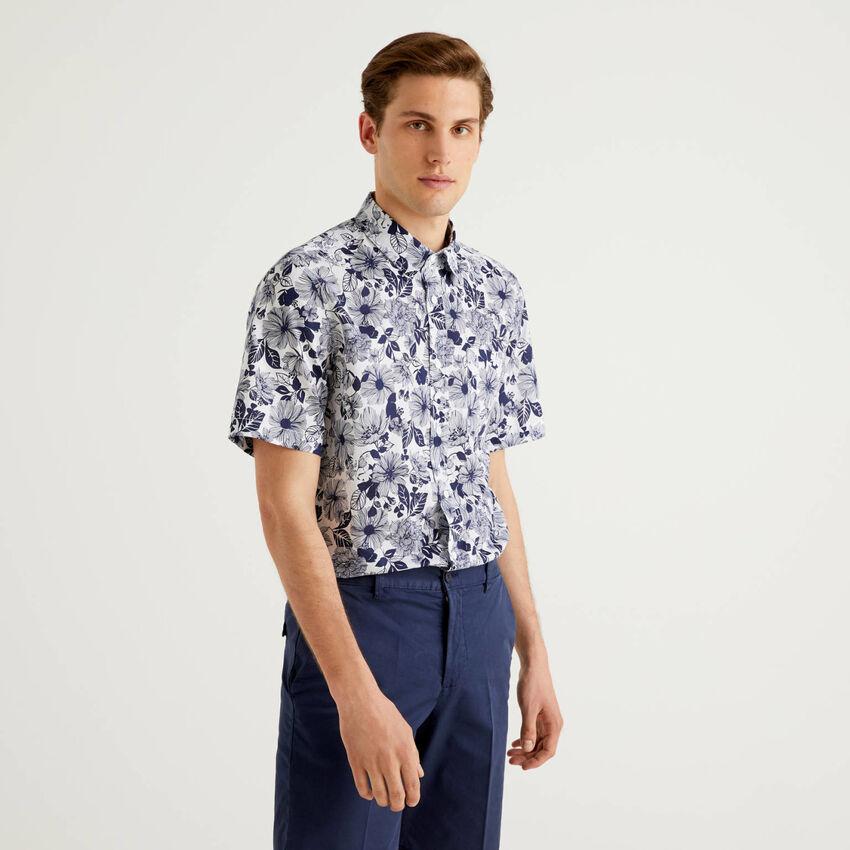 Camisa de manga corta con estampado botánico