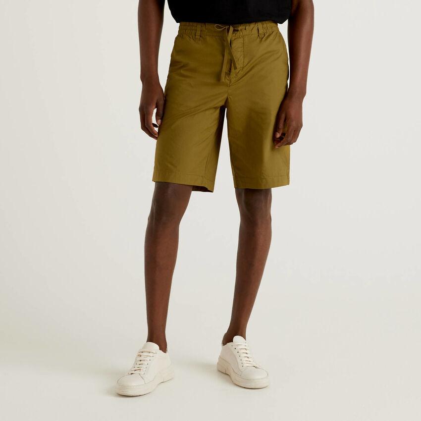 Pantalón corto de 100 % algodón con cordón