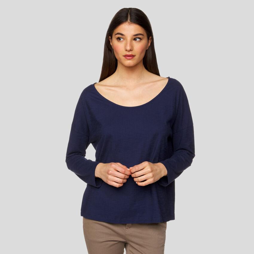 Camiseta con escote amplio