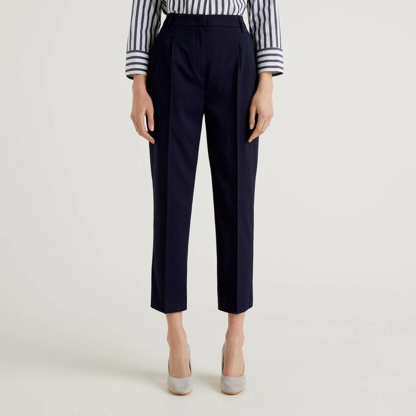 Pantalón clásico de tejido elástico