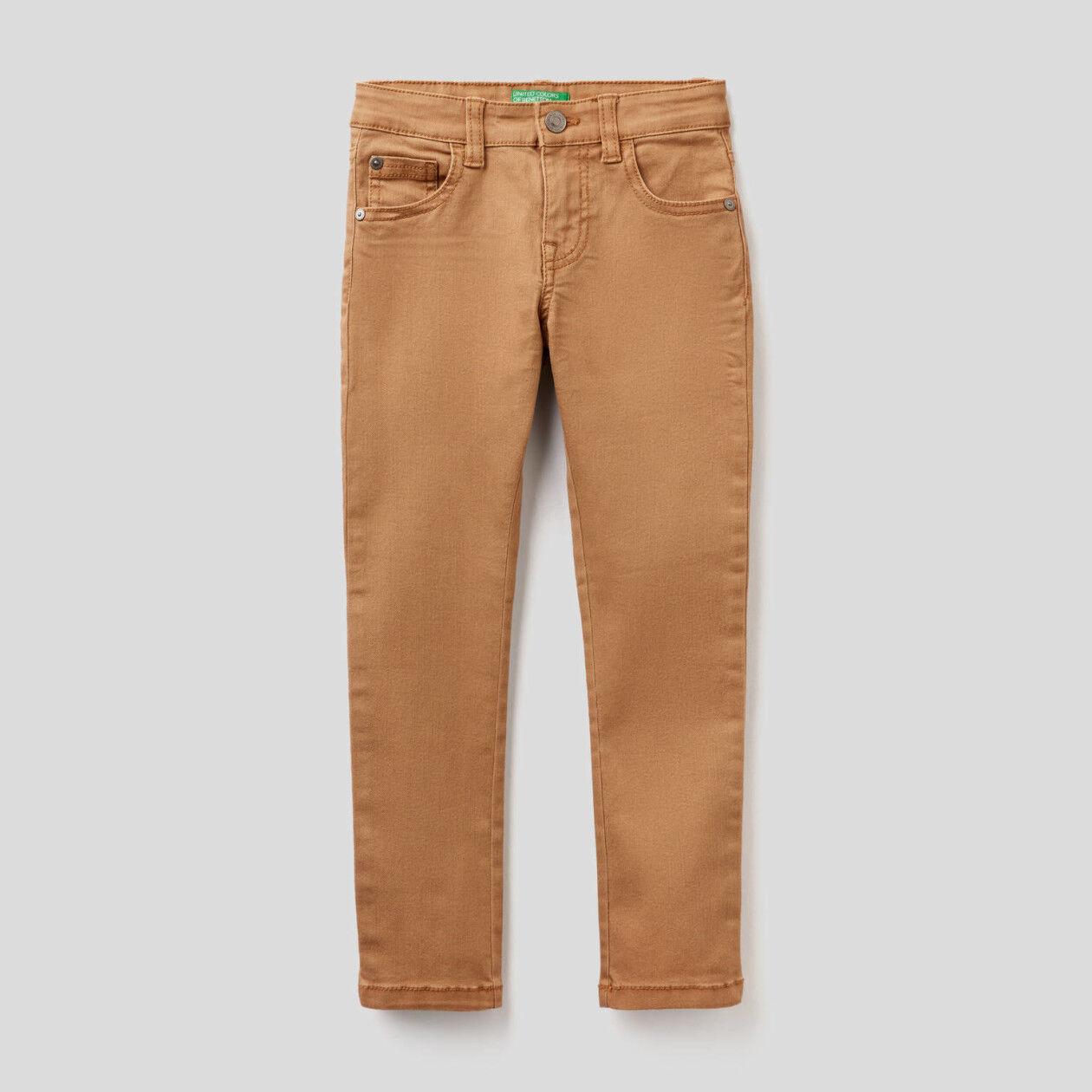 Pantalón pitillo con cinco bolsillos