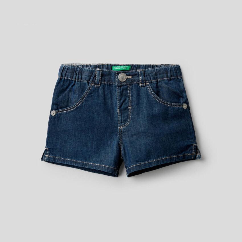 Pantalón corto de tela cambray