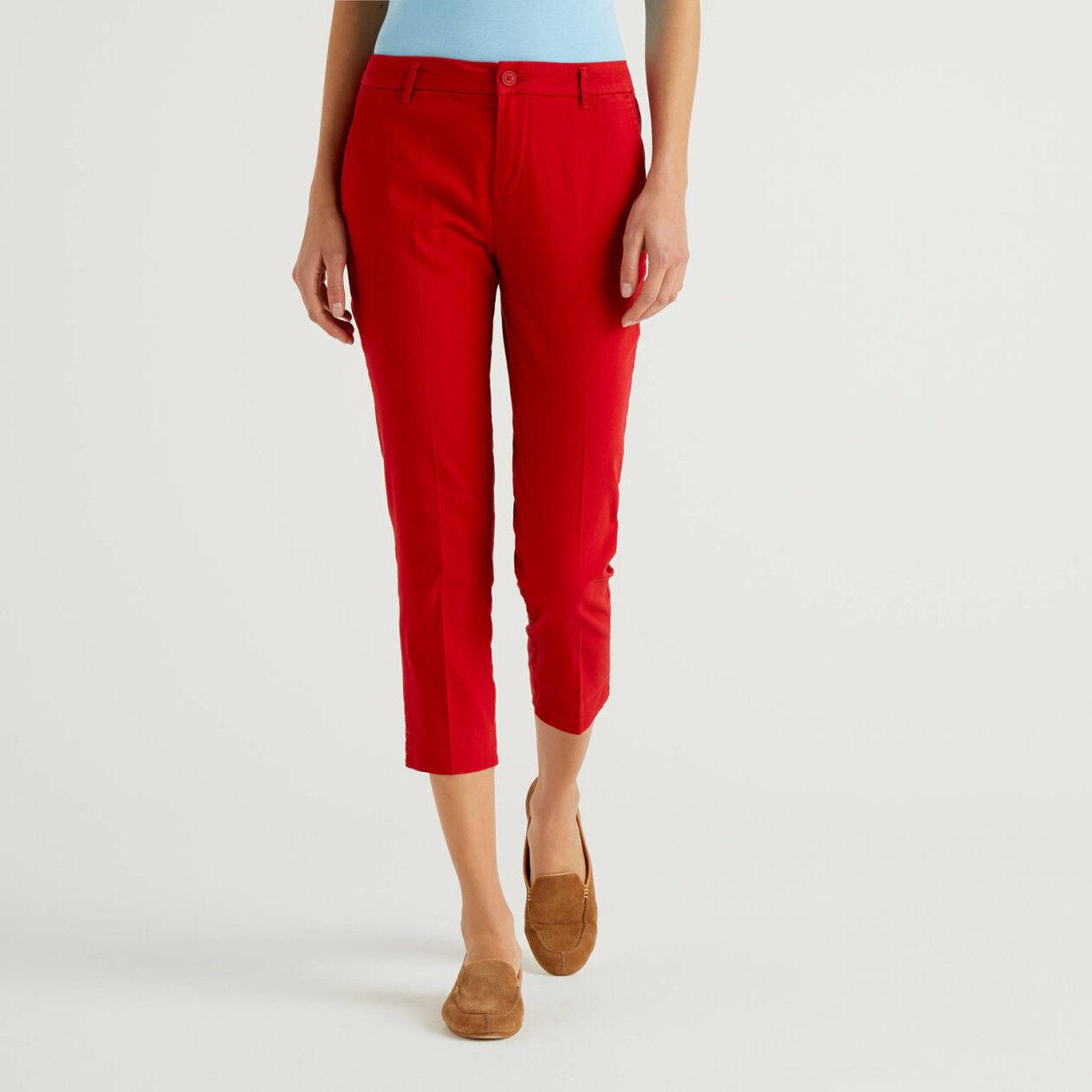 Pantalones chinos elásticos