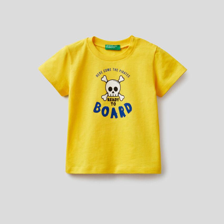 Camiseta de algodón con estampado de piratas
