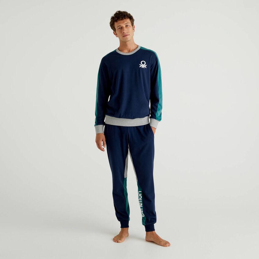Pijama de algodón con bandas con logotipo