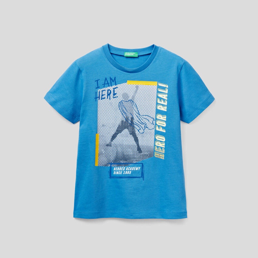 Camiseta con estampado gráfico