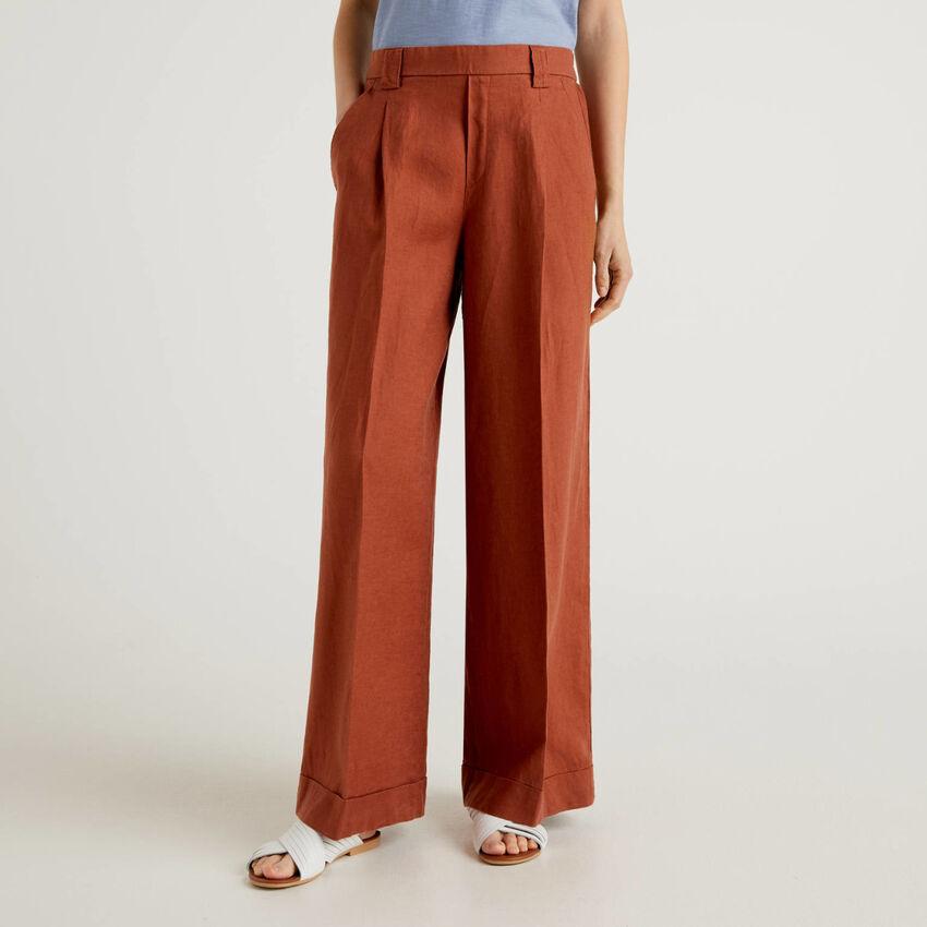 Pantalón de pernera amplia de 100% lino