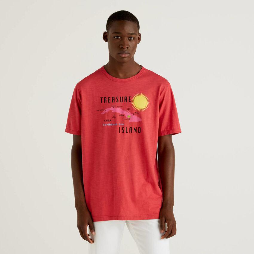 Camiseta roja de 100% algodón con estampado