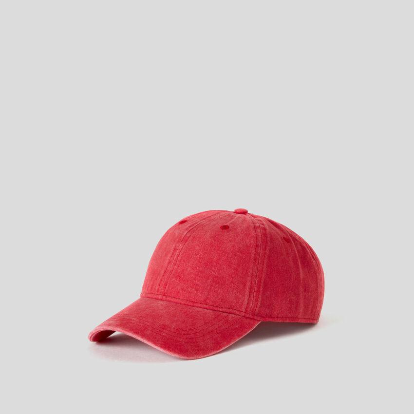 Gorra de béisbol roja con efecto lavado