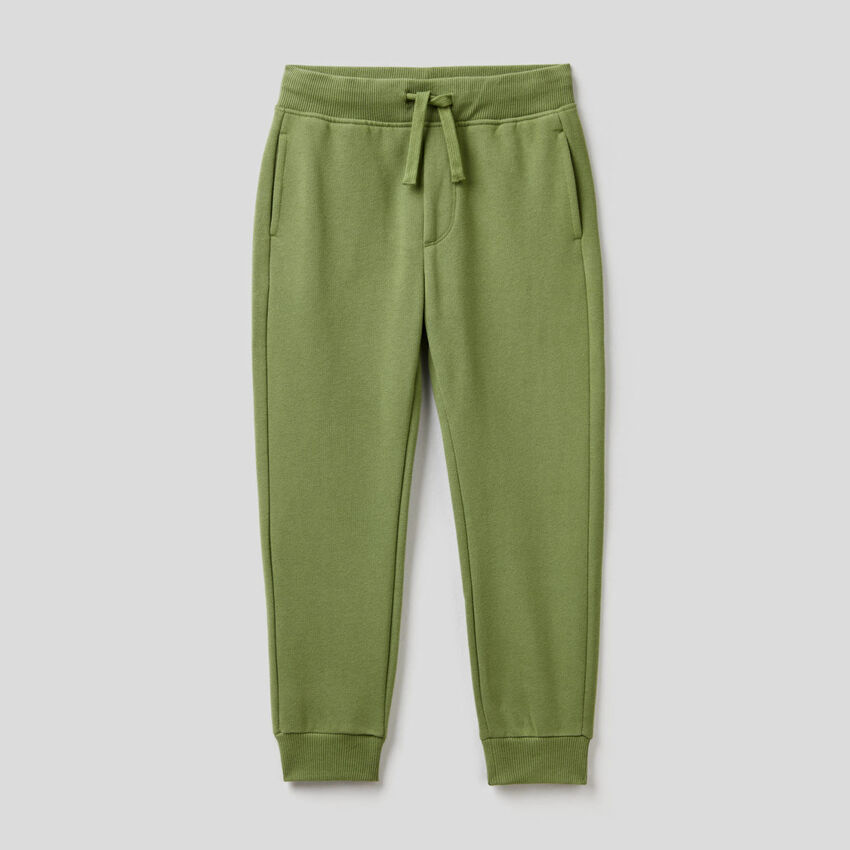 Pantalón slim fit verde militar de felpa