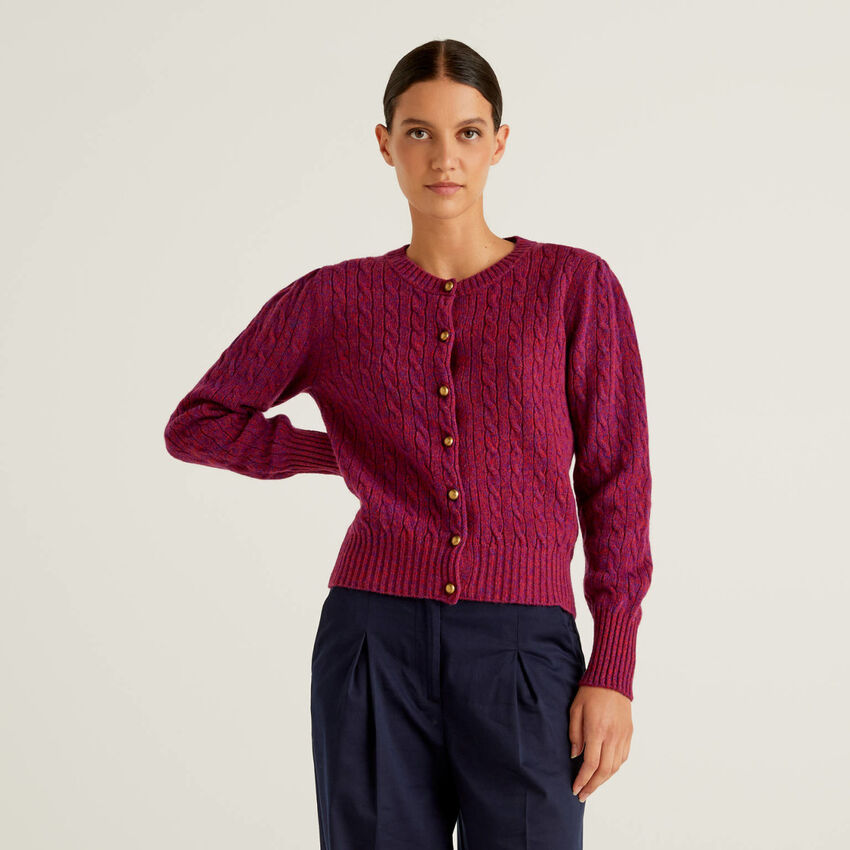 Cárdigan a trenzas en pura lana tricot Shetland
