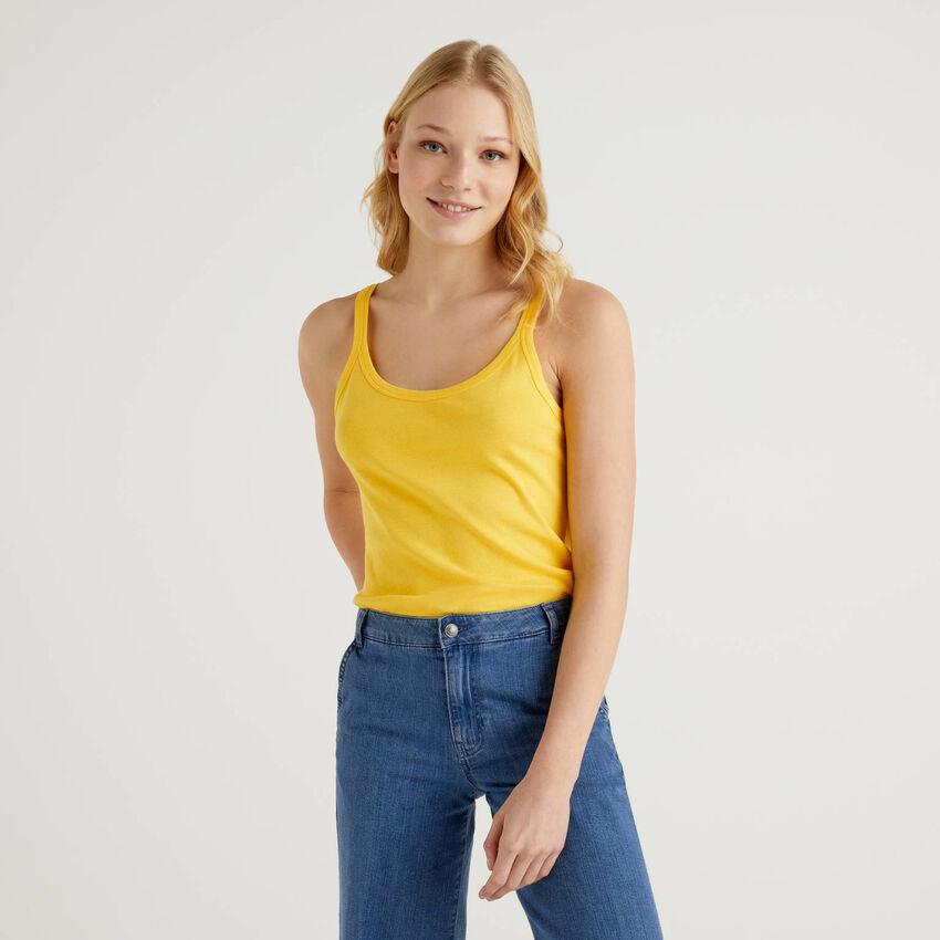 Camiseta de tirantes amarilla de algodón puro