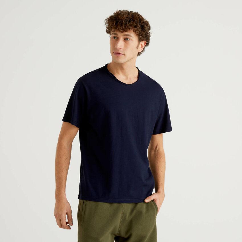 Camiseta azul oscuro de 100% algodón