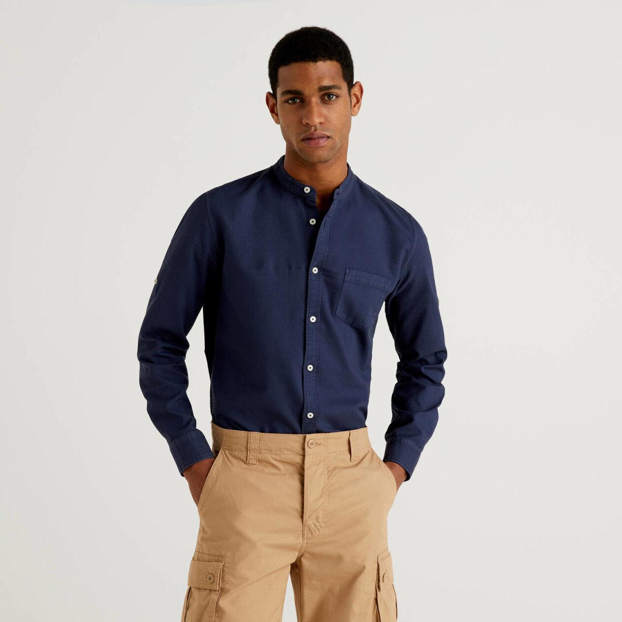 Camisa slim fit de cuello mao