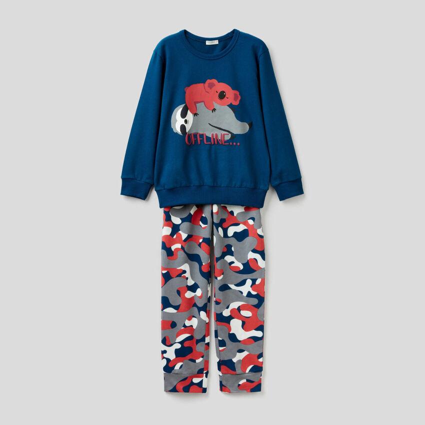 Pijama largo de algodón con estampados