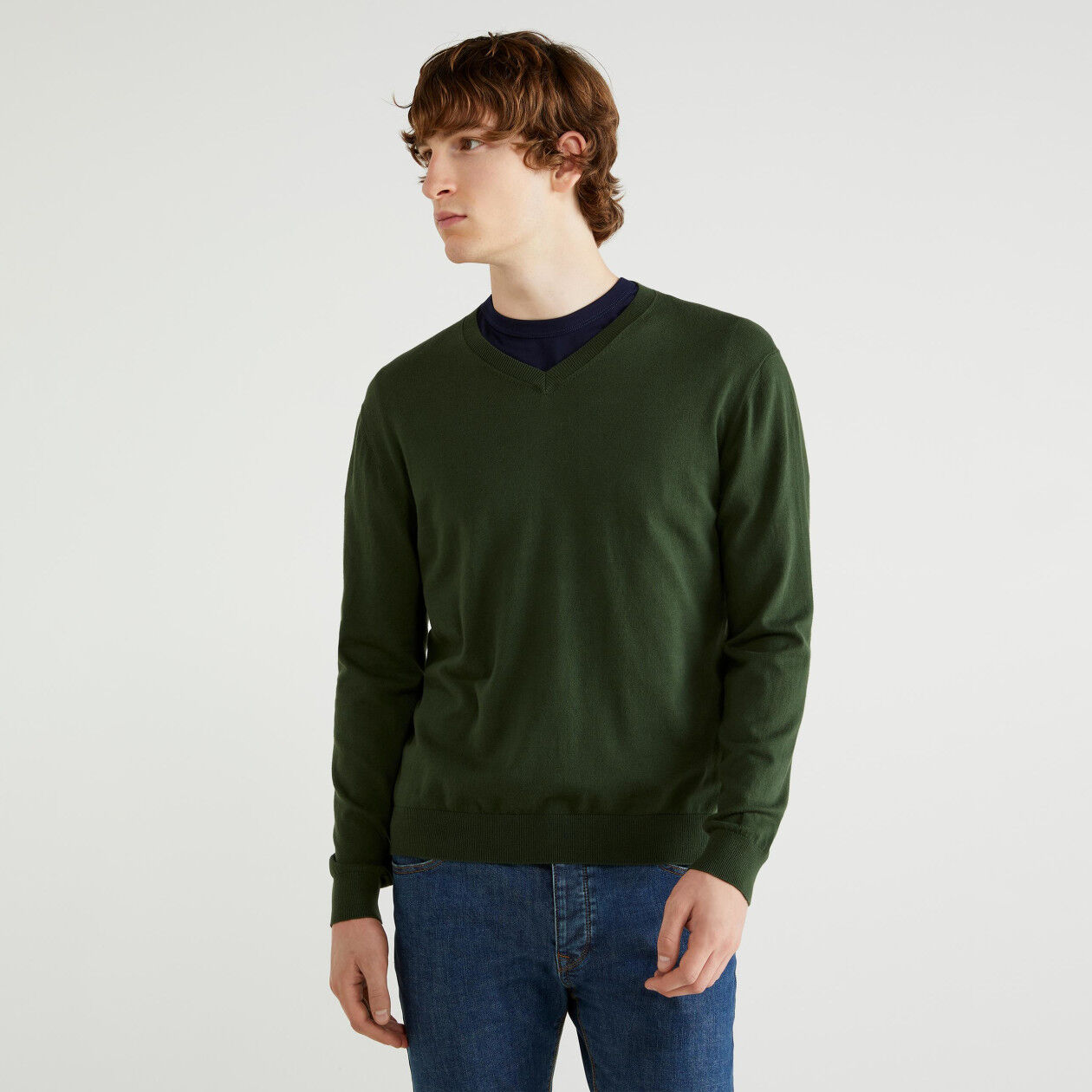 Jersey de algodón tricot con escote de pico