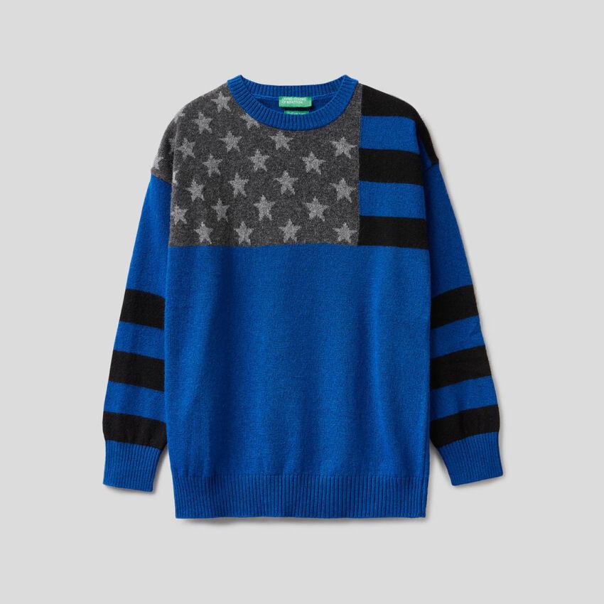 Jersey azul con grabado de bandera