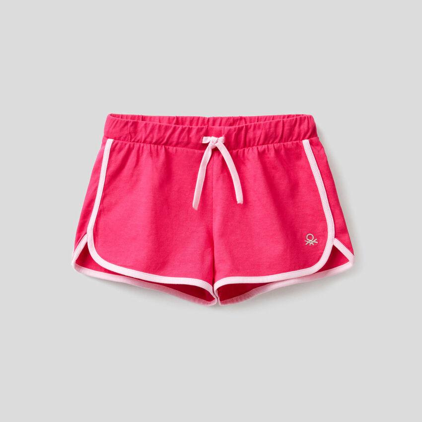 Pantalón corto deportivo de 100 % algodón