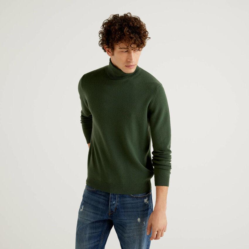 Jersey de cuello cisne verde militar de pura lana virgen