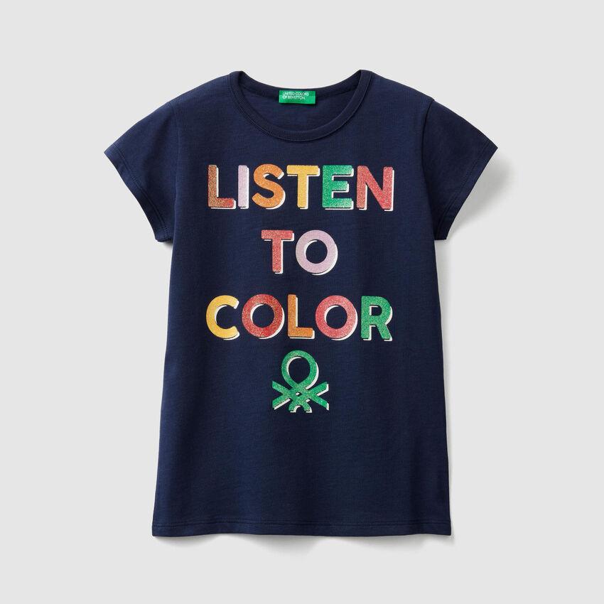 Camiseta con estampado de logotipo con glitter