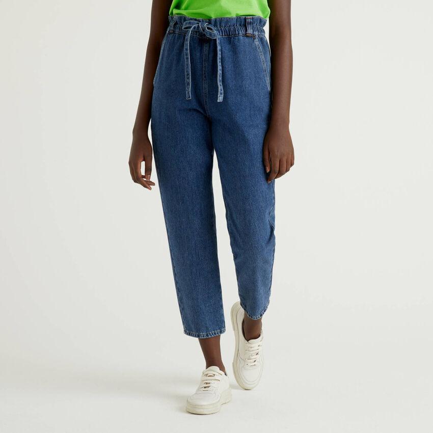 Pantalón en denim de 100% algodón