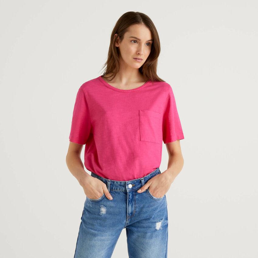 Camiseta lisa con bolsillo