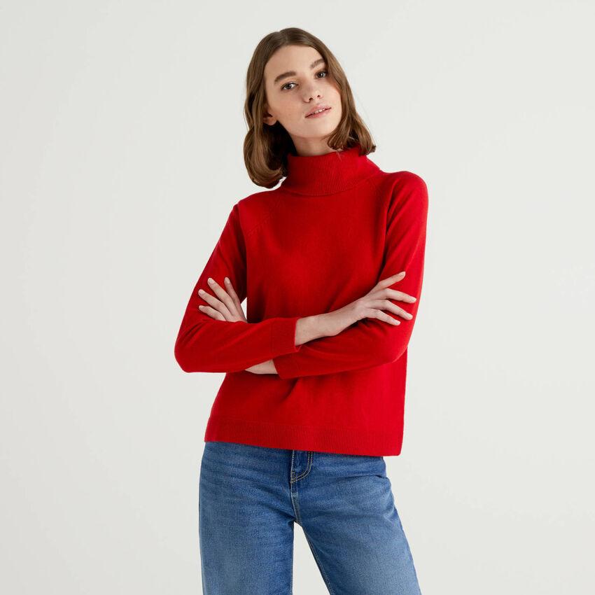 Jersey de cuello alto rojo en mezcla de lana y cachemir