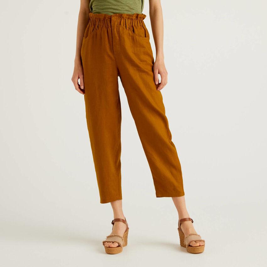 Pantalón de 100% lino con cintura fruncida