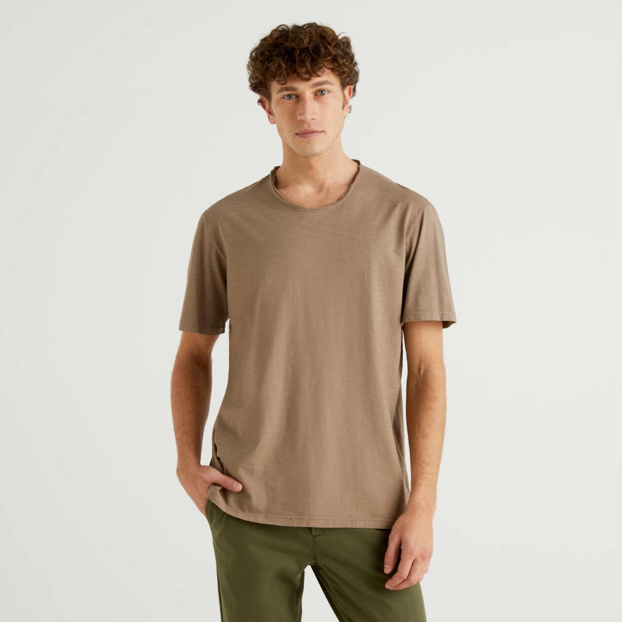 Camiseta gris paloma de 100% algodón