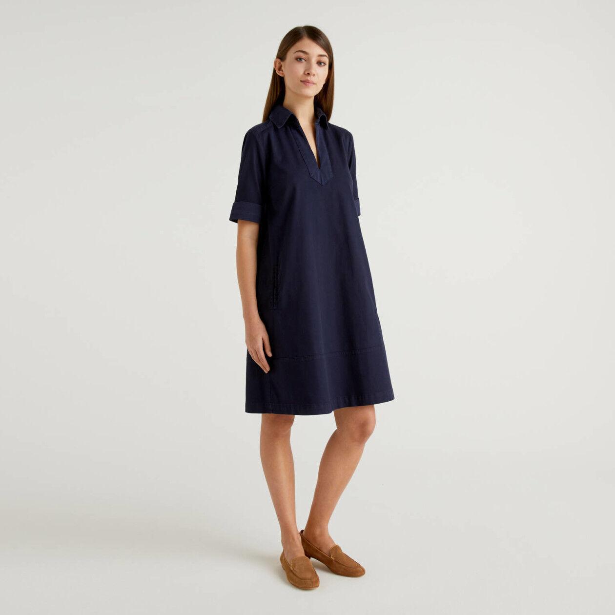 Vestido evasé de algodón elástico