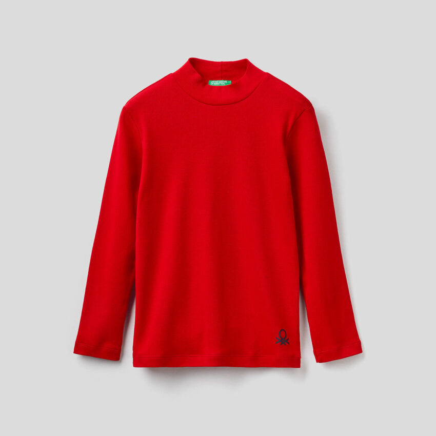 Camiseta de cuello cisne de algodón orgánico