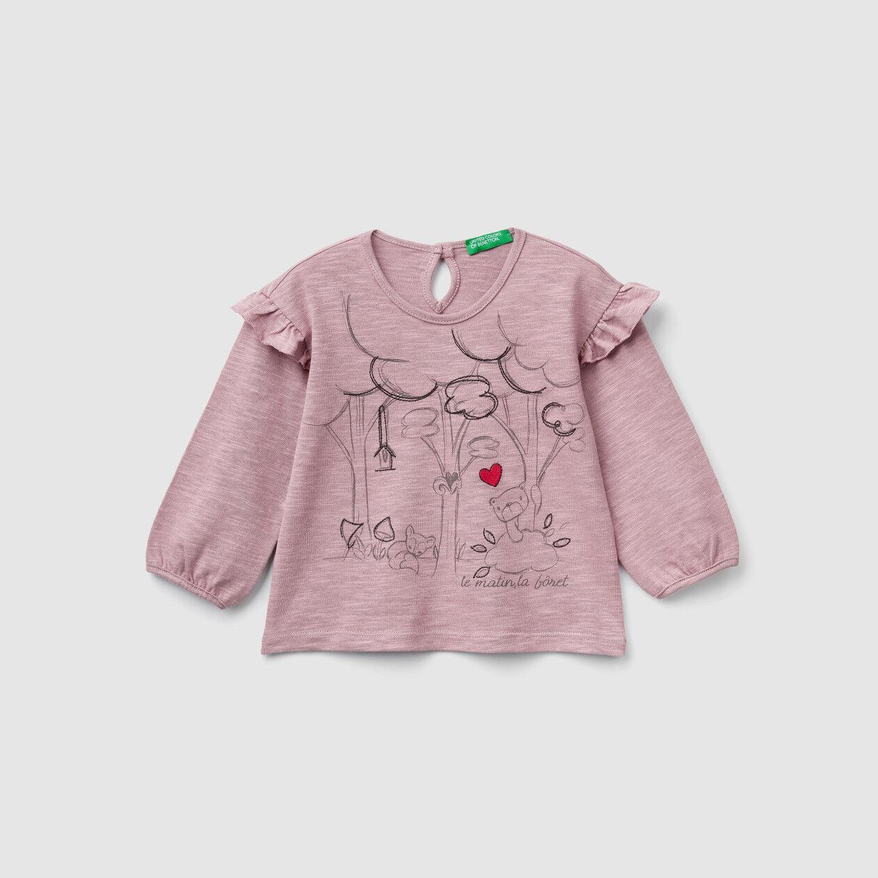 Camiseta con estampado y bordado