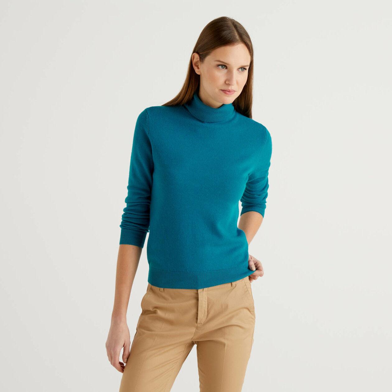Jersey de cuello cisne color petróleo de pura lana virgen